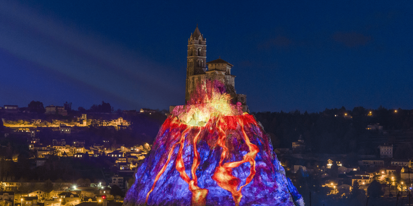 Le Puy by night
